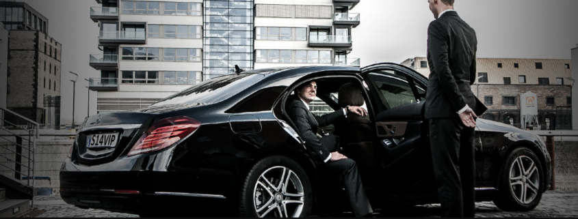 Limousine Services at the Airport: Reasons for you to Hire Them